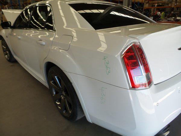 download Chrysler 300 SRT8 workshop manual