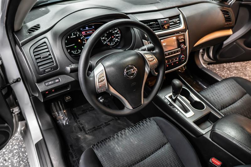 download Nissan Altima workshop manual