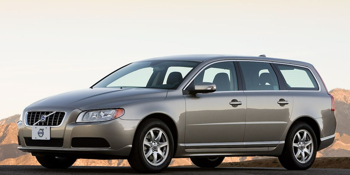 Download 2011 Volvo V70  08